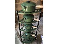 Le Cruset pot stand and 4 pans