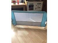 Children's bed rail/guard