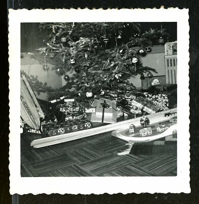 Vintage Christmas Photo PRESENTS UNDER THE TREE WOOD CLIPPER SLED TRAIN SET 1954