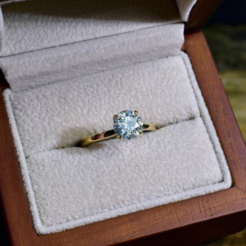 1.5Ct Round cut Diamond 14K Yellow Gold Over Engagement Vintage Women's Ring 2