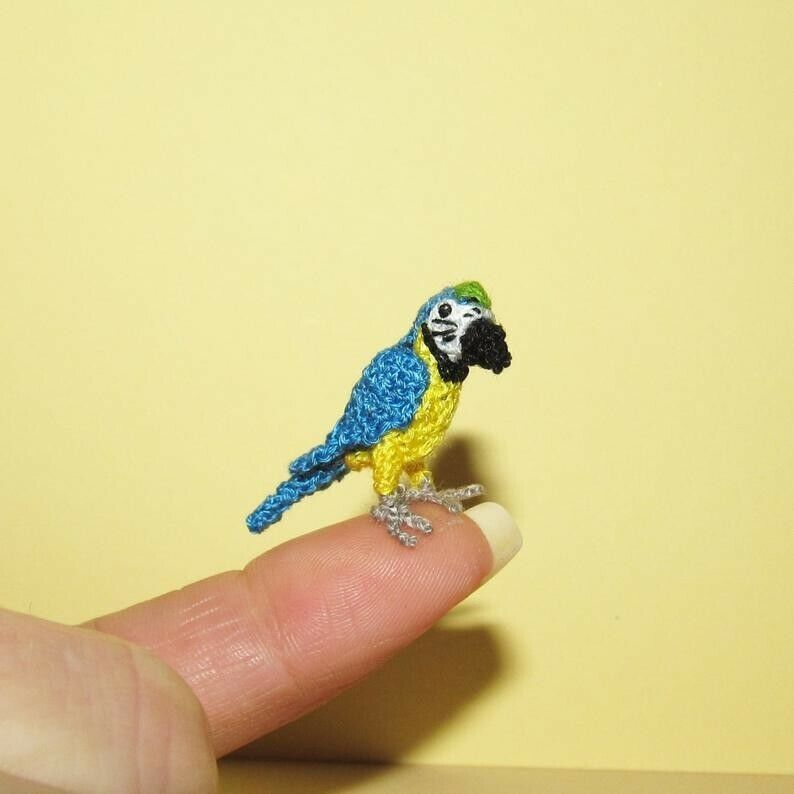 Handmade Miniature Dollhouse parrot ARA Animals Bird Toy Pet Gift Ideas