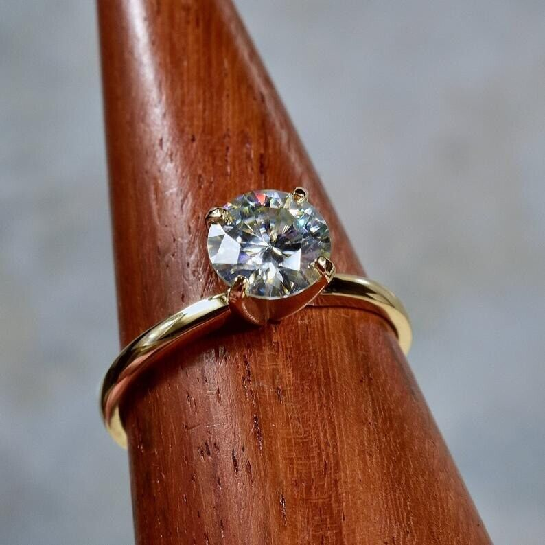 1.5Ct Round cut Diamond 14K Yellow Gold Over Engagement Vintage Women's Ring 4