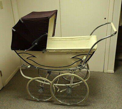 VINTAGE ROYALE BABY CARRIAGE