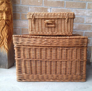 Set of Two Wicker Pieces