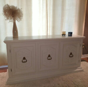 CREDENZA/BUFFET CABINET/TV STAND