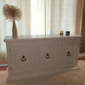 PRICE REDUCED!!! CREDENZA/BUFFET CABINET/TV STAND