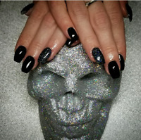 Nail Technician Accepting New Clients!!