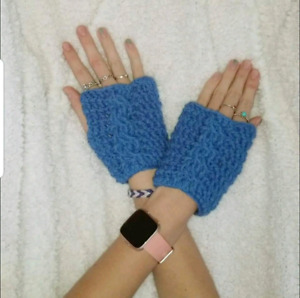 Cable twist fingerless gloves