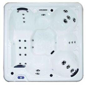 Royale, USA made, Balboa control, 6 Seater Hot tub
