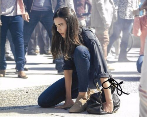 Odette Annable Supergirl Autographed Signed 8x10 Photo COA #7