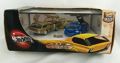 Hot Wheels 35TH ANNIVERSARY 2 Car Deora Limited Edition Set