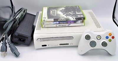 Microsoft Xbox 360 Fat Console Bundle W  Controller  Cables And 3 Games