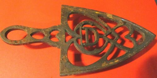 VINTAGE CAST IRON TRIVET/SAD IRON BASE-LOOK !!!