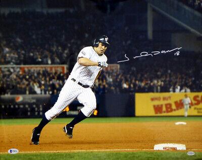 - Johnny Damon Autographed Signed 16x20 Photo New York Yankees Beckett BAS #F98224