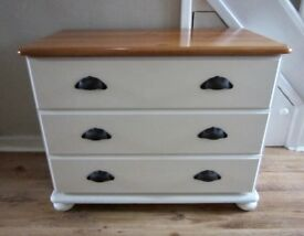 Shabby Chic Look Solid Wood Chest of Drawers.