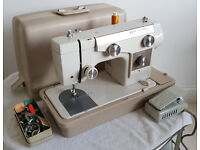 New Home Janome Model 690 Heavy Duty Sewing Machine - Excellent Condition