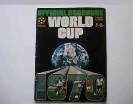 Original 1970 World cup brochure signed by Pele with Coa