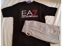 EA7 EMPORIO ARMANI REGULAR FIT T-SHIRT & SHORT - BLACK & GREY - SIZE: L