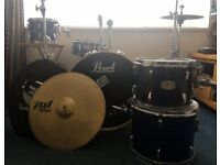 Pearl Export complete drum kit with 3 cymbal stands, cymbals and noise reducers