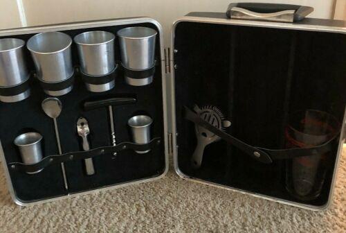 Vintage Executain 101 Portable Travel Liquor Bar Case