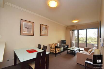 FURNISHED LUXURY ONE BED + STUDY AT THE HEART OF PARRAMATTA
