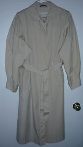 Trench Coat - size 12 - 14 : Excellent Condition Cambridge Kitchener Area image 1