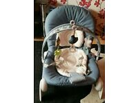 Chicco Hoopla bouncer\rocking chair