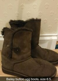 Chocolate Bailey button ugg boots size 6.5