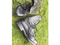 Army boots size 10