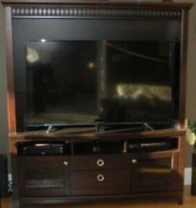 Excellent quality large TV stand with built-in stereo cabinet