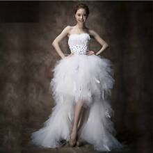 Pre-Owned Stunning Women Feather White Wedding Dress Sz 6/S Giralang Belconnen Area Preview