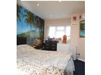 One Beautiful En suite double bed room for rent