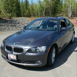 BMW 335xi Coupe AWD - Low KMs