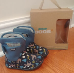 Bogs Toddler Boots Size 8 Fall/Winter/Spring Waterproof