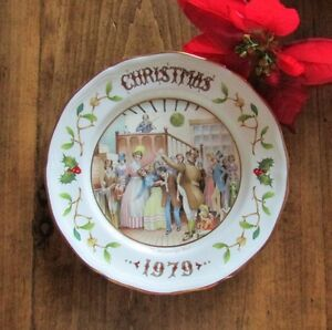 "1979 Aynsley Christmas Plate ""Mr Fezziwigs Ball"" Christmas Carol Kitchener / Waterloo Kitchener Area image 4"