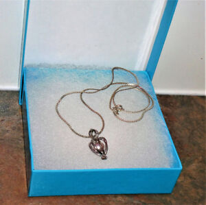 VINTAGE STERLING SILVER NECKLACE WITH PEARL PENDANT