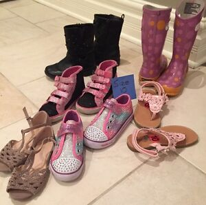 Girls (youth)  Shoes - Size 8,10,11 - 15 pairs total West Island Greater Montréal image 3