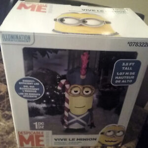 Gemmy Vive Le Minion Soldier Christmas Airblown Inflatable