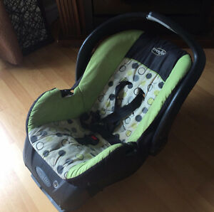 Evenflo Infant / Baby Car Seat Rear Facing Great Quality With Ba