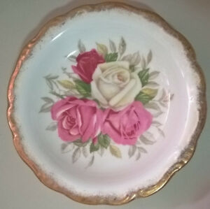 Vintage Queen Anne Fine Bone China Small Plate/ Saucer