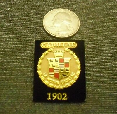 1902 CADILLAC PIN CREST LAPEL HAT EMBLEM LOGO FROM LICENSED GM COLLECTOR SET