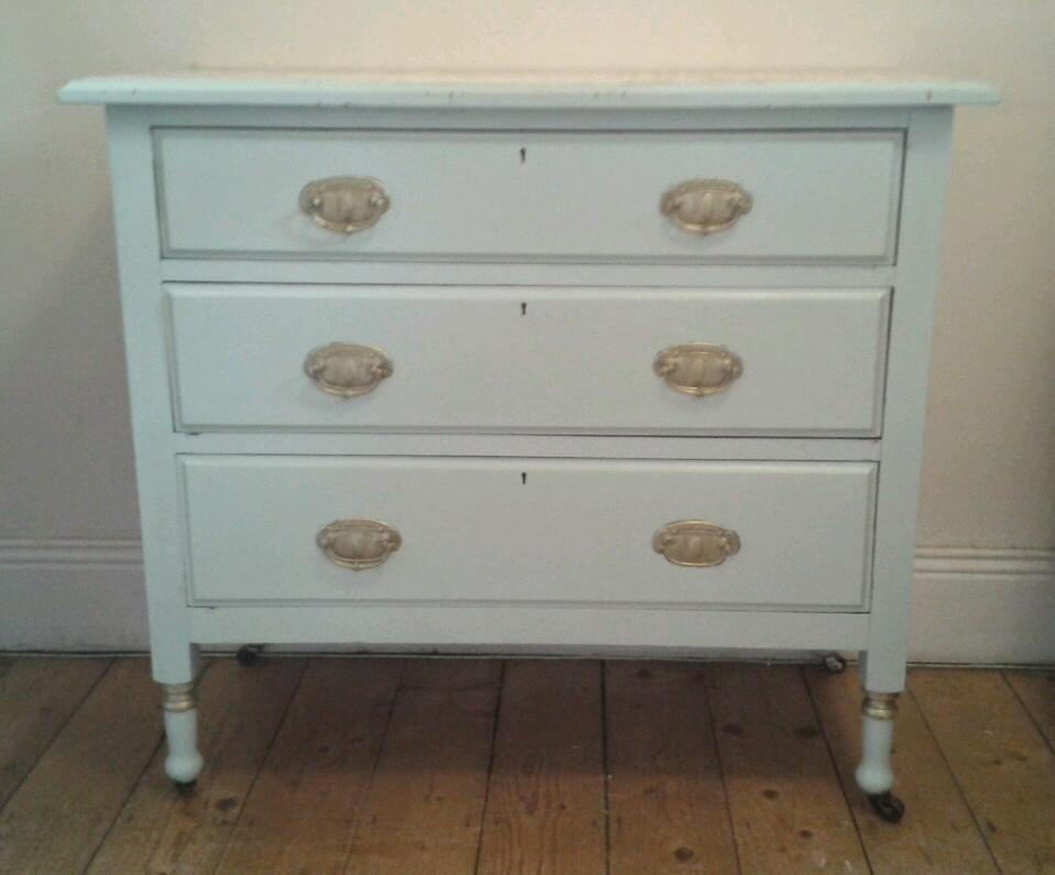 Quirky furniture hut vintage chest of drawers with vintage for Quirky furniture