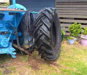 16.9 x 28 TRACTOR TYRE Munster Cockburn Area Preview