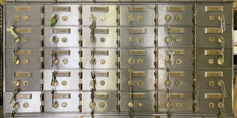 """Diebold Safe Safety Deposit Bank Vault 1/2"""" Thick Doors Box Lock Boxes 30 Door"""