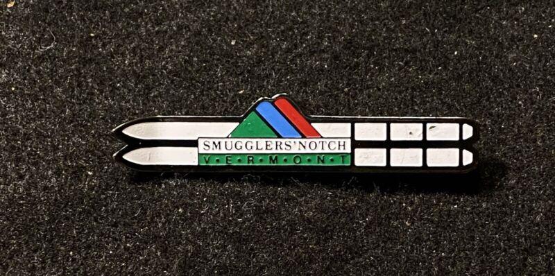SMUGGLERS NOTCH Skiing Ski Pin Badge VERMONT Resort Souvenir Travel Lapel