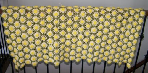 Handmade crochet afghan green yellow 3D daisy throw lap blanket 50x36 vintage