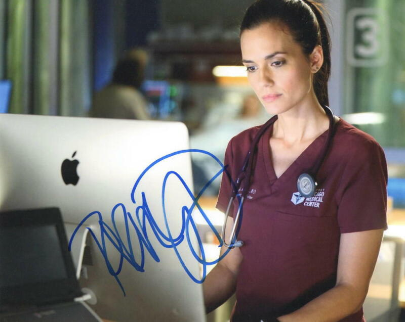 HOT SEXY TORREY DEVITTO SIGNED 8X10 PHOTO CHICAGO MED AUTHENTIC AUTOGRAPH COA C