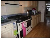 Lovely double room to rent :)