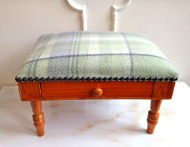 Small Pine Tartan Green Hand Nail Buffet Cushion Pillow Rest + Drawer Manicure