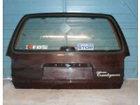 AUSTIN ROVER MONTEGO ESTATE TAILGATE WITH GLASS